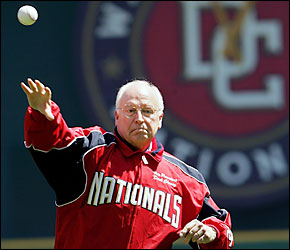 Photo Vice President Cheney throws out the first pitch at Nationals home opener, gets booed. (Getty Images)