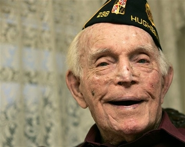 Photo Lloyd Brown, Last Surviving Navy WWI Vet, Dies at 105