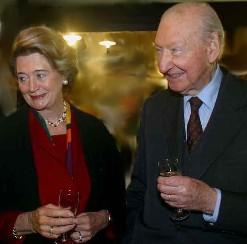 Kurt Waldheim and Wife Sissy 2002 Photo (via WikiPedia)