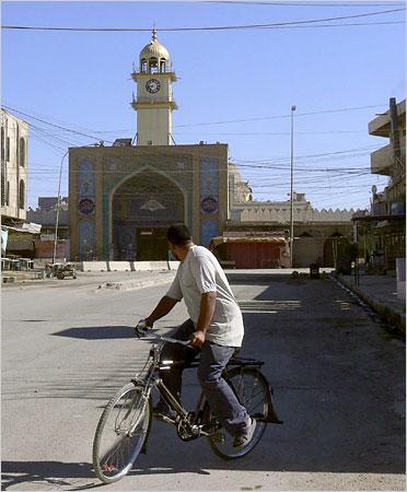 Samarra Shrine Bombing Bicycle Photo Nuhad Hussin/Reuters