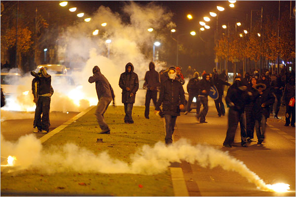 86 Police Officers Hurt in French Youth Riots As in the 2005 riots, the youths were attacking the police mostly with fire bombs, rocks and other projectiles, but they also had guns and appeared to use them more this time. Photo: Thibault Camus/Associated Press