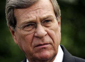 Trent Lott Resigning Saul Loeb / AFP - Getty Images file The sudden departure of Senate Minority Whip Trent Lott, R-Miss., may be linked to a new post-Senate career lobbying law that takes effect at the end of the year.
