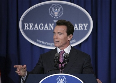 Schwarzenegger to Endorse McCain California Gov. Arnold Schwarzenegger holds at a news conference before the Republican presidential debate at the Ronald Reagan Presidential Library in Simi Valley, Calif., Wednesday, Jan. 30, 2008. (AP Photo/LM Otero)