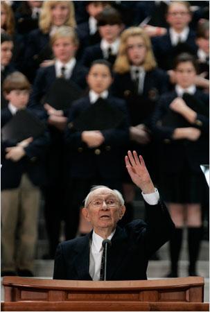 Mormon President Gordon Hinckley Dies
