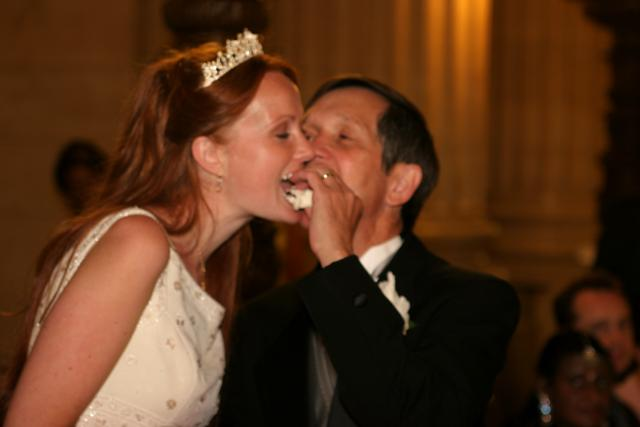 Dennis Kucinich and Wife Eating Cake Photo