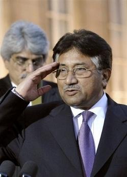 Bush Urges Pakistanis to Keep Musharraf