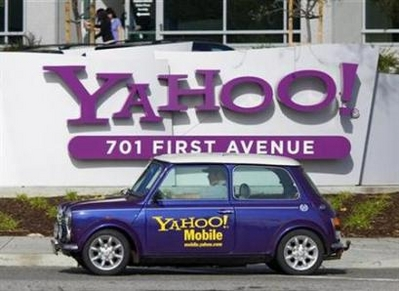 Yahoo Shareholders Sue over Microsoft Bid Rejection