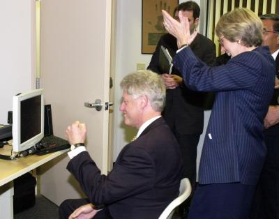 Bill Clinton Using Computer Photo