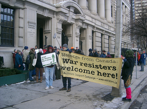 canada-war-resisters-welcome-photo