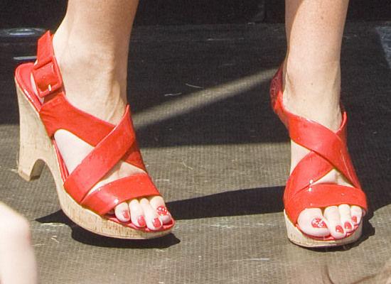 sarah-palin-toenails