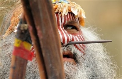 An elder from Australia's Ngarrindjeri indigenous people, performs a traditional ceremony. Australia has pledged 7.8 million US dollars this year to help save more than 100 indigenous languages which are in grave danger of dying out. (AFP/File/Paul Ellis)
