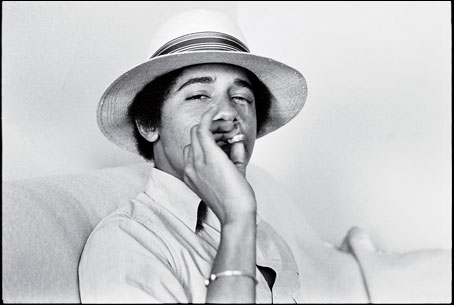obama-occidental-smoking-photo