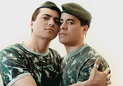 gay-soldiers