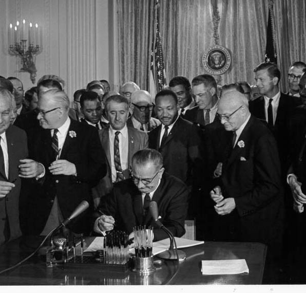 civil-rights-act-1964-signing-king