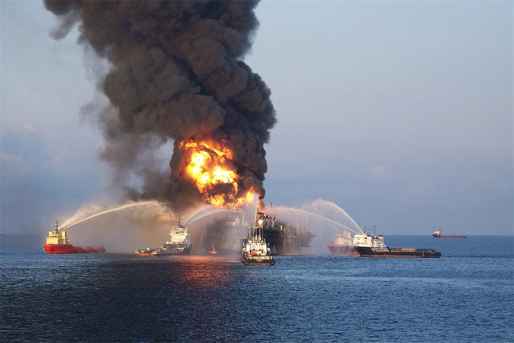 Oil-Rig-Explosion-in-Gulf-of-Mexico-10