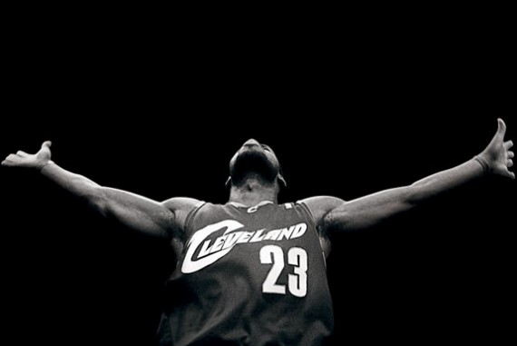 lebron-james-cleveland-bw-570x381