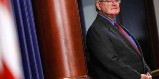 Newt Gingrich Bows Down To King Corn