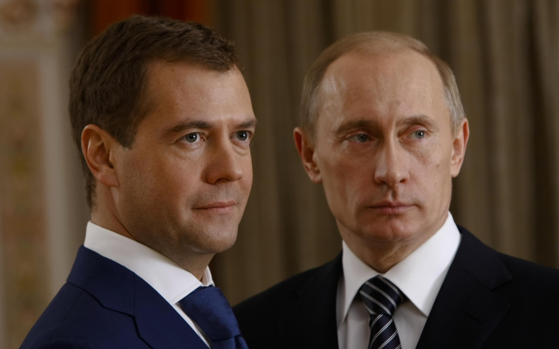 Men_Politics_Putin_and_Dmitry_Medvedev_018817_