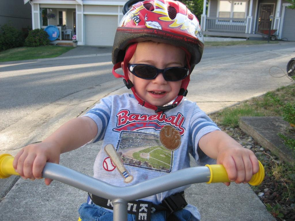 child-safety-helmet-bicycle