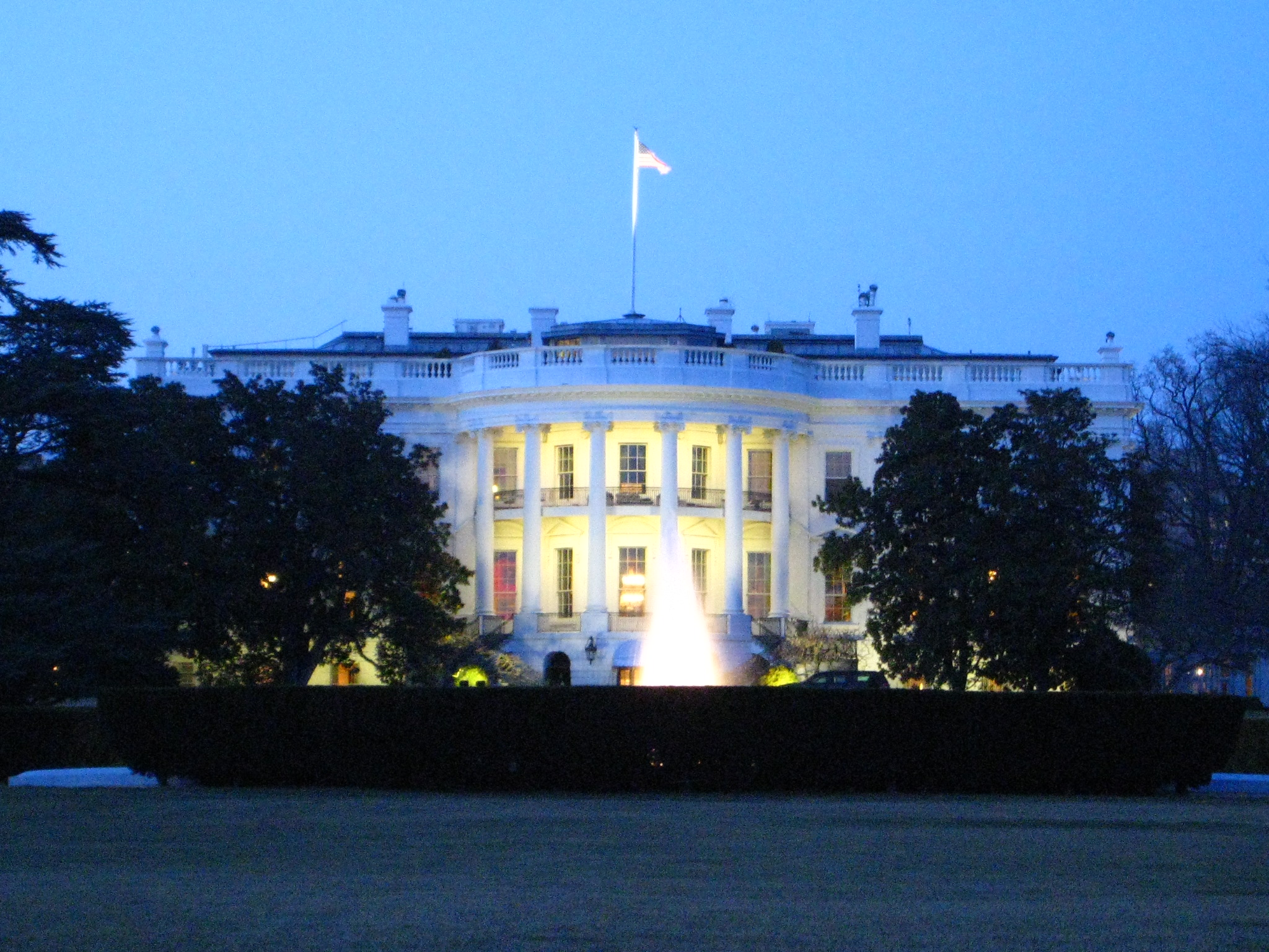 the-white-house-facing-south