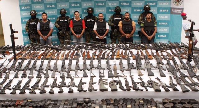 110723-los-zetas-weapons-captured