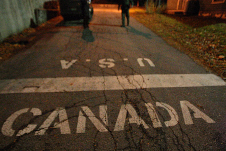canada-usa-border-divide