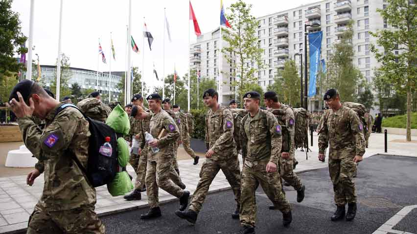 hi-852-olympic-troops-london