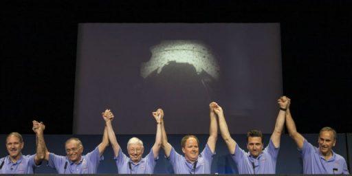 Mars Curiosity Rover Successfully Lands On Mars
