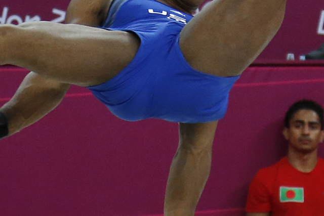 mens-gymnastics-crotch-shot