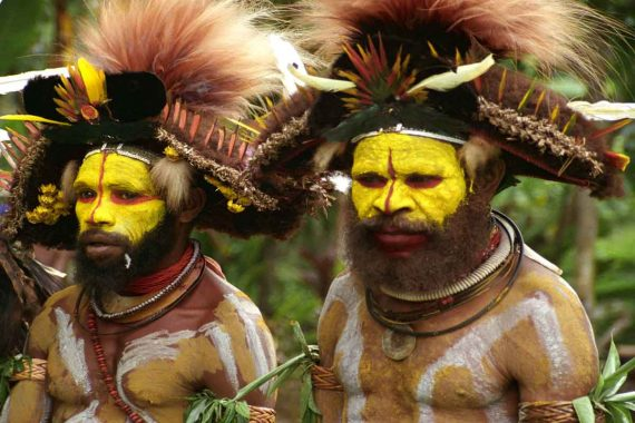 yellow-tribe-dancers