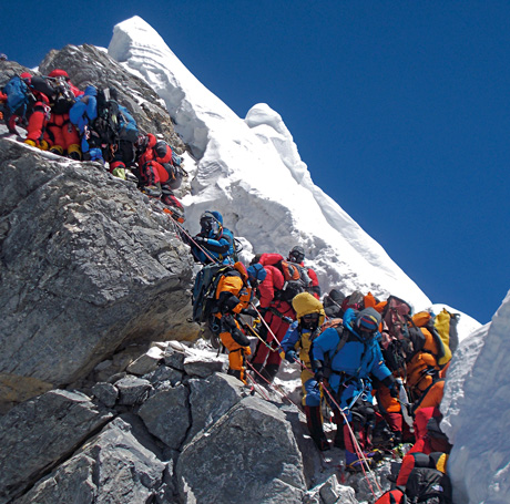 mount-everest-crowded