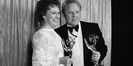 Jean Stapleton,TV's Edith Bunker, Dead At 90