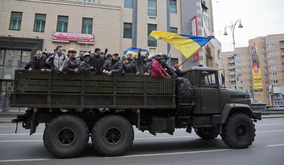 ukraine-protestors-truck