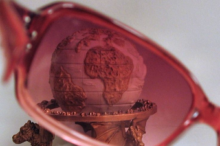 rose-colored-glasses-world-view