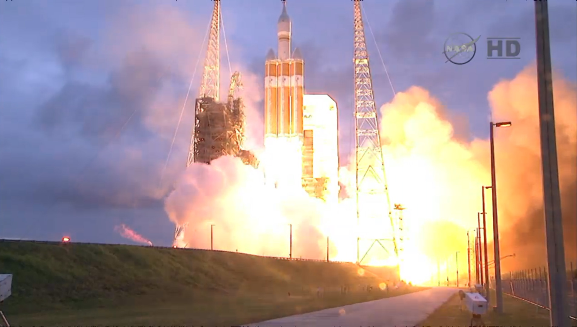 NASA Orion Delta IV Liftoff