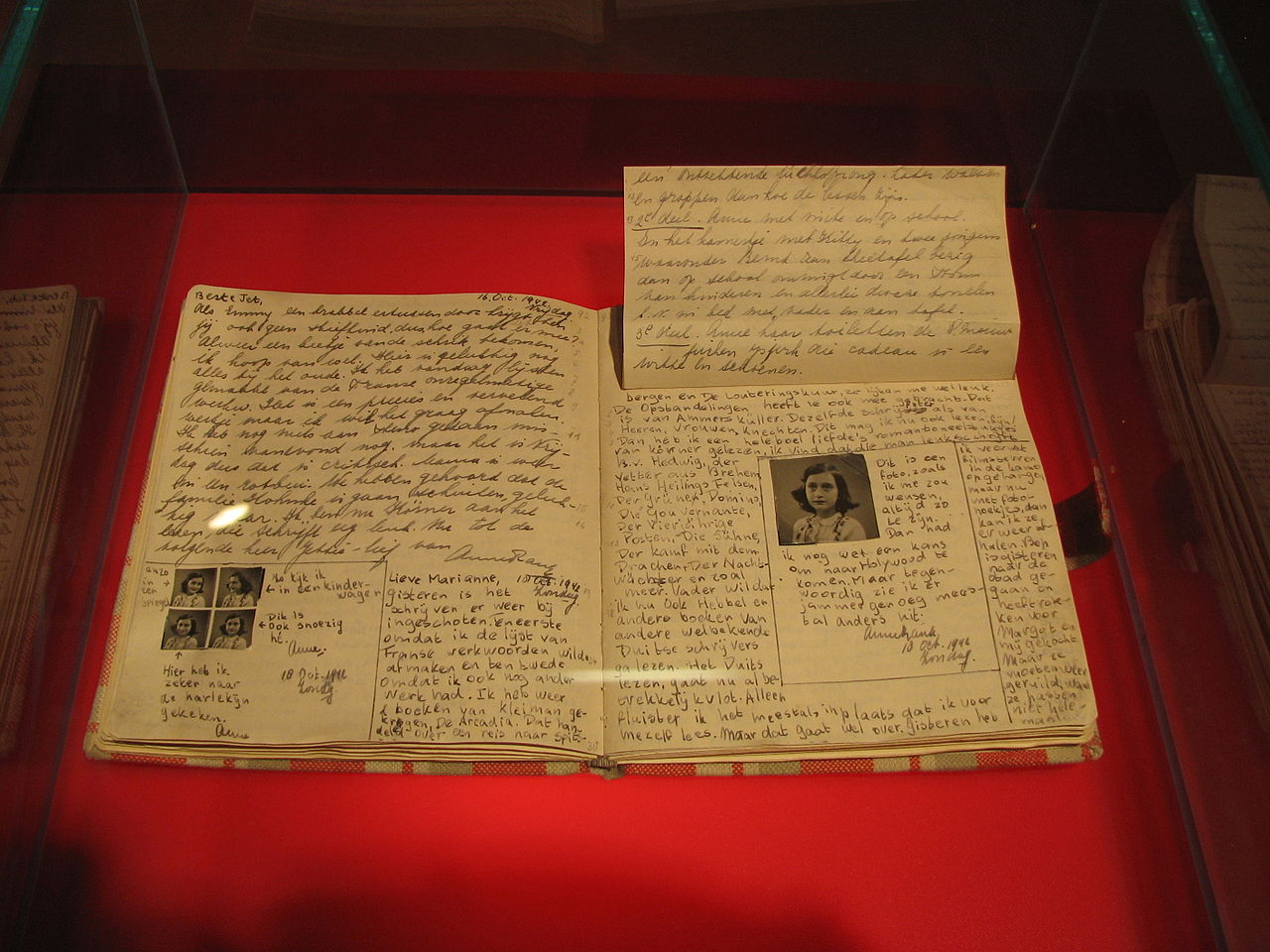 Anne_Frank_Diary_at_Anne_Frank_Museum_in_Berlin-pages-92-93