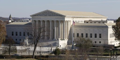 Sharply Divided Supreme Court Hears Argument In Challenge To Obama's Deportation Relief Plan