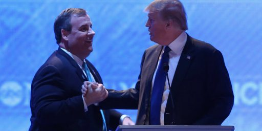 Chris Christie Endorses Donald Trump, Donald Trump Steals Post-Debate News Cycle