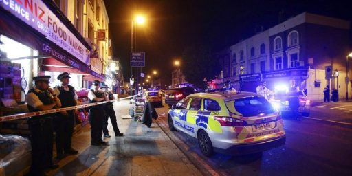 Van Attack Outside London Mosque Kills One, Injures Ten, In Apparent Anti-Muslim Attack